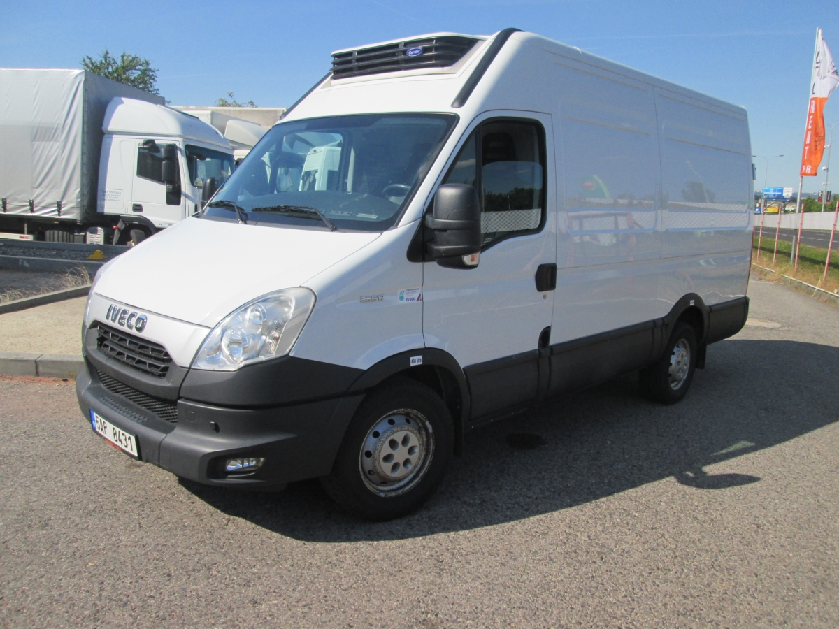 Iveco Daily 35S17V Carrier Xarios 300