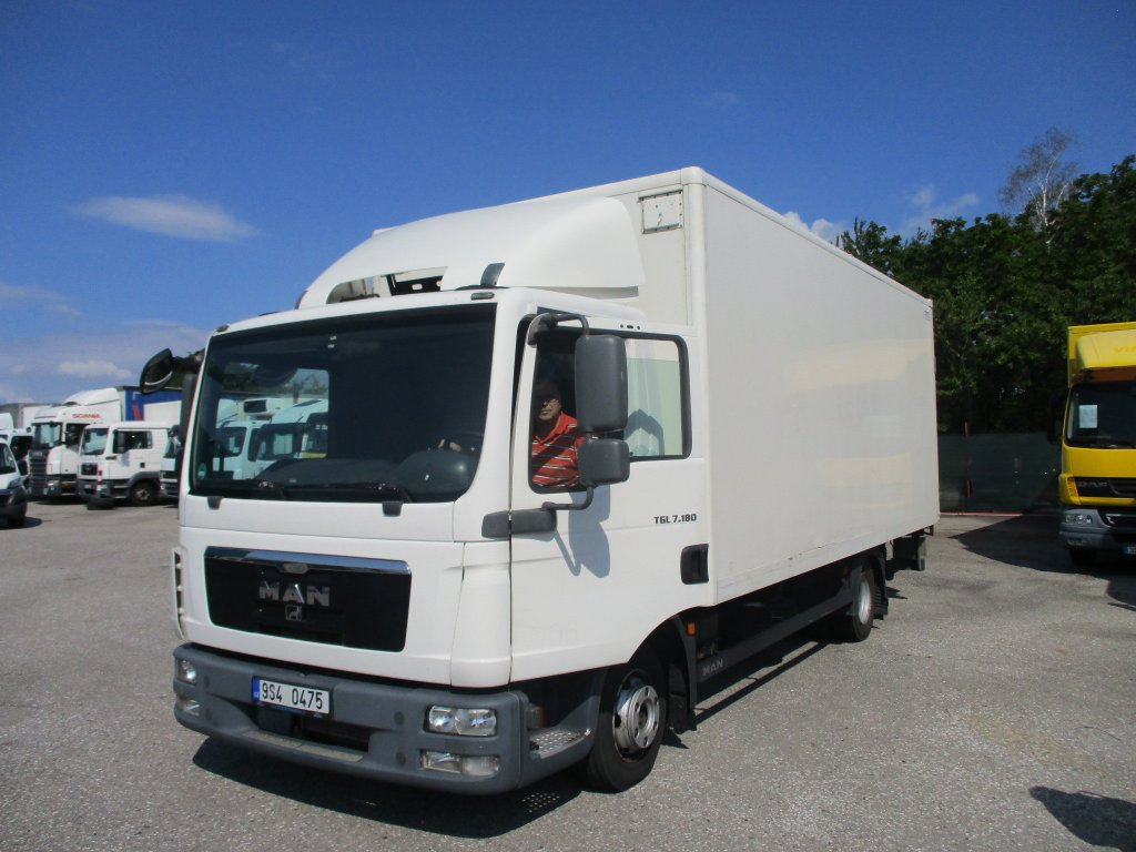 MAN Mercedes-Benz TGL 7.180