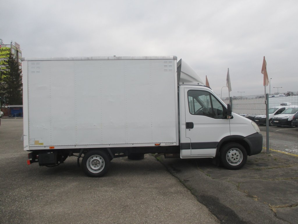 Iveco Daily 35S13 6 Palet