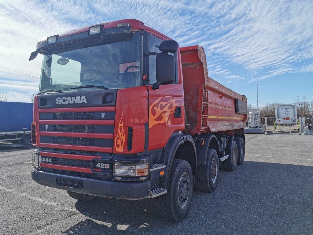 Scania  124C420 8x8