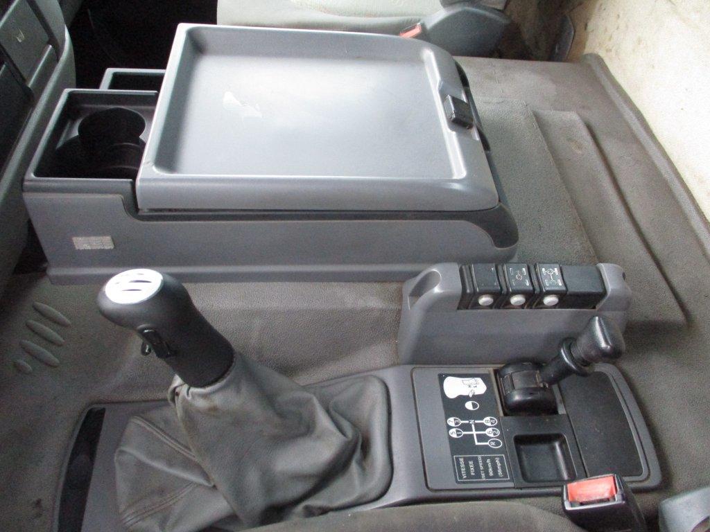 Renault  Kerax 420 DXi EURO 3 8x4