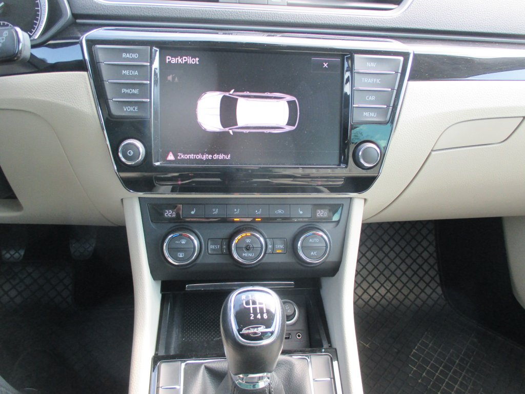 Škoda Superb 110kw 4x4 L&k Combi
