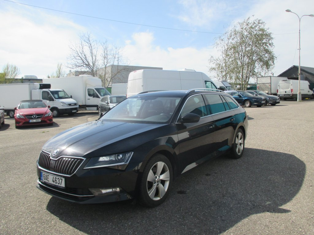 Škoda Superb 2.0 Tdi 110kw 4x4 Ambition Combi