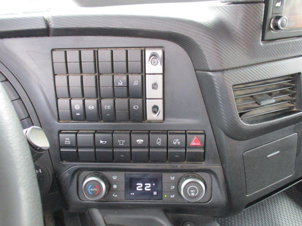 Iveco  Trakker 450 6x4 S3 EURO 6