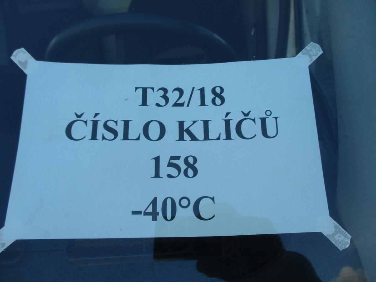 Iveco  Daily 35C15  s hydraulickým čelem