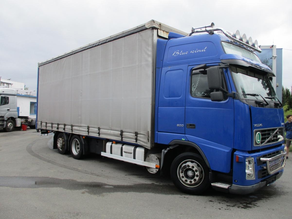 Volvo  FH12 420 EURO 3 + Schmitz