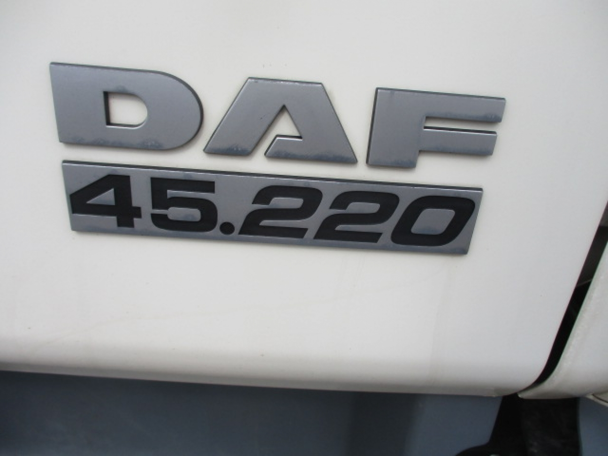DAF  LF 12.220  18 palet, 1 lůžko