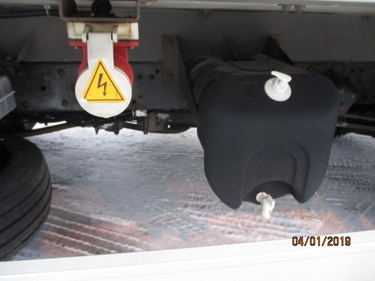 Iveco  75E18 Carrier Xarios 600