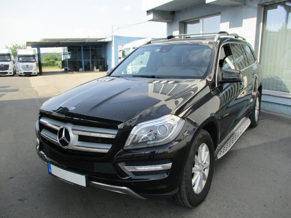 Mercedes-Benz GL 350 CDi 7-G Tronic-4Matic-Airmatic-Comand